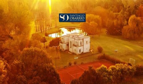Imagen 1 de 30 de Increíble Casa En Venta De 300 M2 Con Golf Y Tenis En El Haras Argentino Farm Club De Lujan
