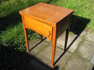 Mueble O Mesa Para Máquina De Coser