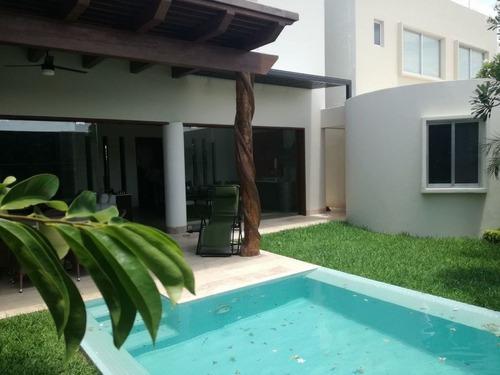 Renta Hermosa Casa Los Tamarindos En Privada Temozon Con Alberca Junio 15 2020