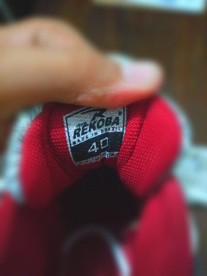 Tênis Solado Alto Cor Vermelho Com Branco E Preto Número 40