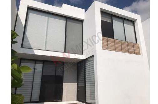 Bonita Casa En Renta Ubicada En Lomas De Juriquilla Querétaro