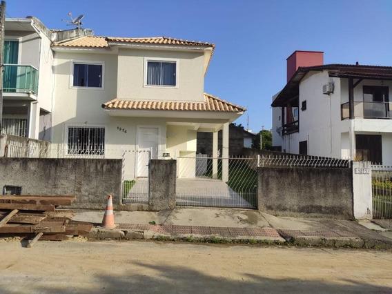 Casa 3 Dormitórios - Ipiranga - São José/sc - Ca2492