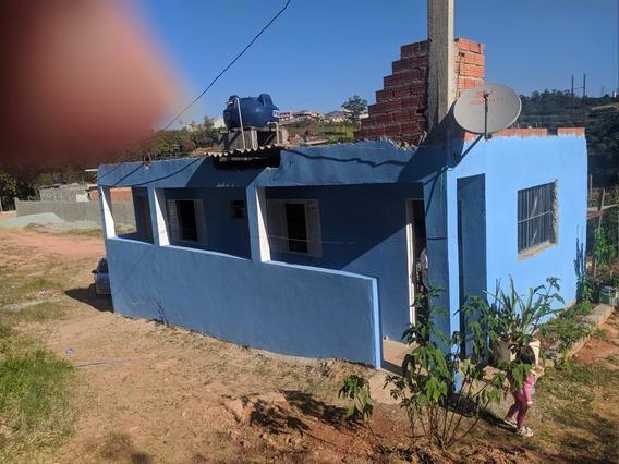 Casa Com 2 Cômodos E 1 Banheiro De Laje .