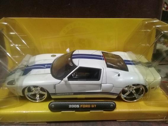 Miniatura 2005 Ford Gt Dub City Jada Toys 1/24