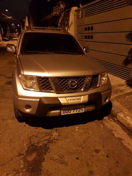 Nissan Frontier 2.5 Le Cab. Dupla 4x4 Aut. 4p