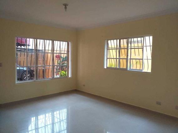 Se Vende Hermoso Apartamento. En Almarosa 1ra Entre Sabana