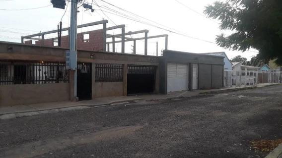 Casa En Venta , Codigo Mls #19-16635
