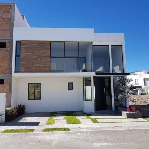 Se Vende Linda Casa En San Isidro Juriquilla