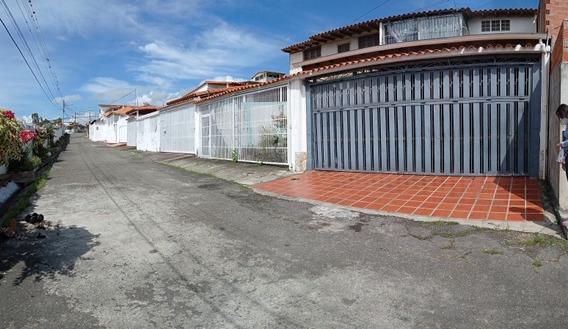 *casa En Tucape Parte Alta*A Pie De Calle. A 1 Cuadra De La
