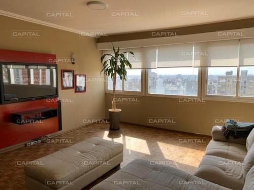 Apartamento De Tres Dormitorios En Venta En Barrio Cordón, Montevideo-ref:30309