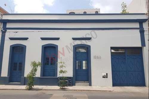 Renta Local Comercial Casa Bleu