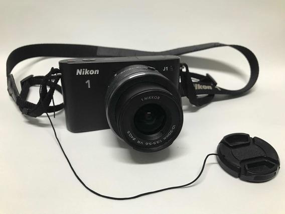 Câmera Nikon J1 Com Lente 10-30 Mm De Barbada