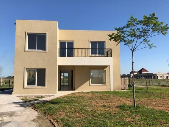 Casa En Venta, 5 Ambientes - Puertos Del Lago, Barrio Vista Nordelta 2