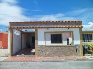 Casa En Venta Buenaventura Valencia Carabobo 20-4456 Rahv