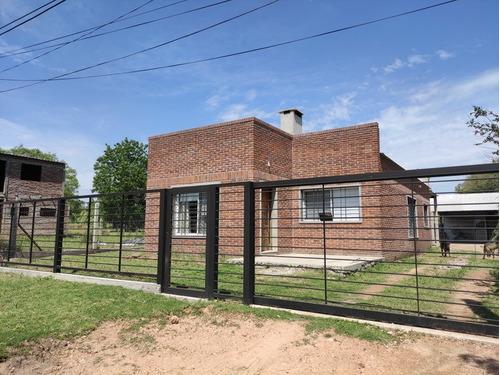 Casa Nueva En Juncal Y Andresito. 2 Dorm. C/fondo Y Cochera