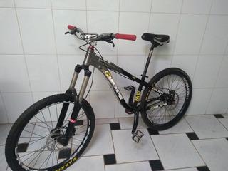 Bicileta Hupi Naja, Downhill/dirtjump