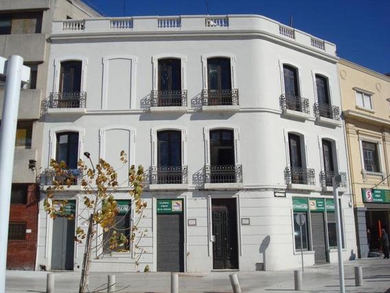 Alquiler Edificio En Rambla De Ciudad Vieja