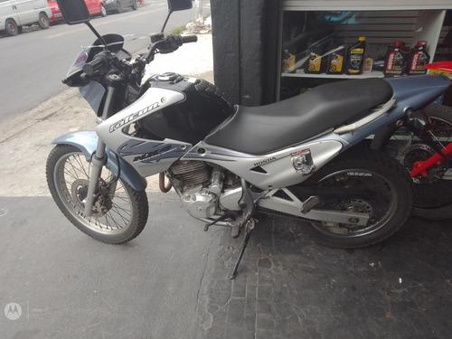 Imagem 1 de 2 de Honda 400