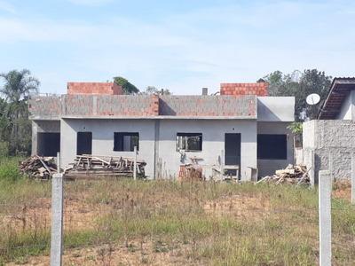 Casa, 2 Dormitorios, 1 Suite, Terreno Nos Fundos, Garagem, 1km Da Praia - 3577890