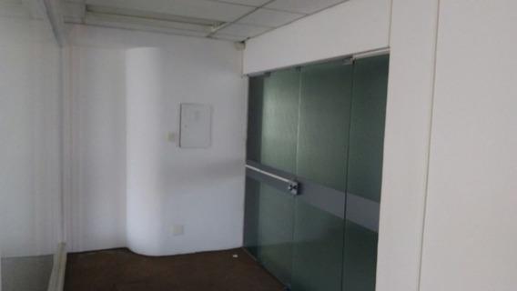 Sala Comercial Em Avenida De Grande Concentração De Escritórios E Comércio Em Geral. - 169-im270323