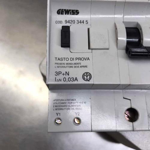 Interruptor Diferencial Disyuntor 4 X 20 A Gewiss Italiano