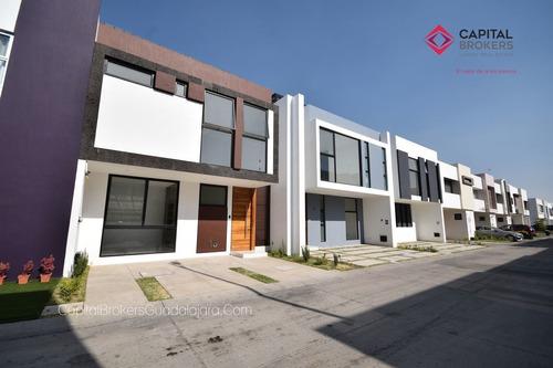 Casa En Venta En Coto Frente Al Parque Metropolitano