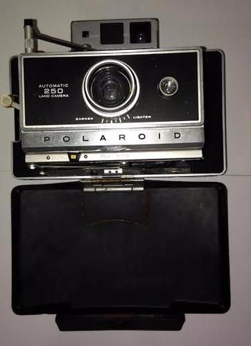 Câmera Polaroid 250 Automatic Land