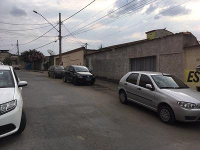 Duas Casas, 4 Vagas, Em Um Lote De 390m
