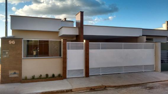 Casa Em Caxambu Sul De Minas, Circuíto Das Águas, Com 03 Quartos , Suite , Vagas Para Dois Carros , Porão ,área Para Horta. - 192