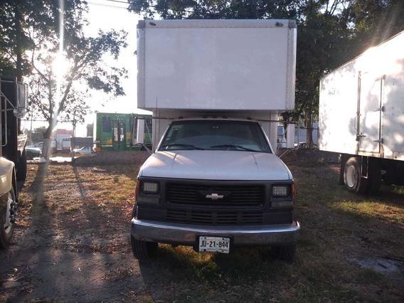 Chevrolet 3500 Chevrolet 5 Tons.