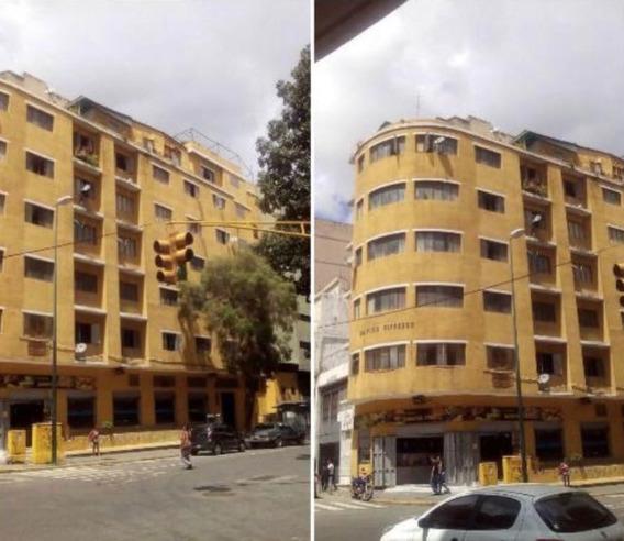 Se Vende Edificio 1824m2 Av. Lecuna