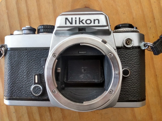 Câmera Nikon Fe - Corpo Sem Lente