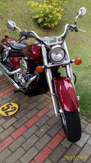 Honda Shadow 750 Vermelha