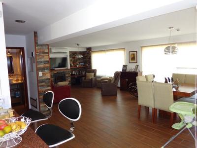 Espectacular Casa En Lomas De Solymar!!! De Revista!
