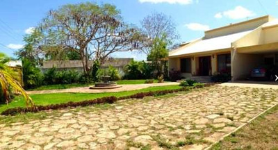 Residencia En Venta, Privada Cholul, 1700m2 Zona Exclusiva