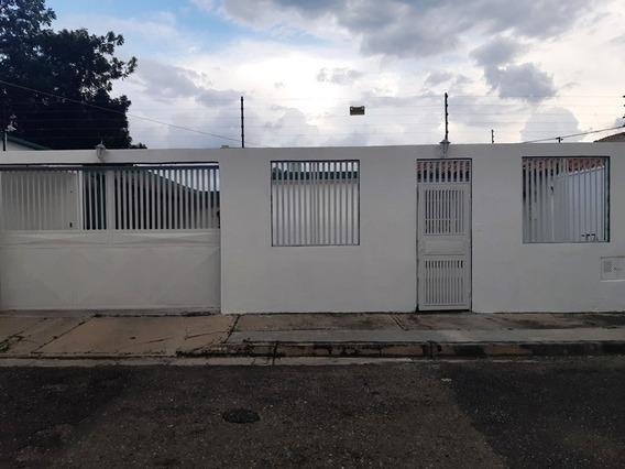 Casa Semi-amoblada En La Esmeralda-san Diego. Wc