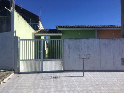Casa Na Praia De Peruíbe Com 2 Dormitórios - 4576/p