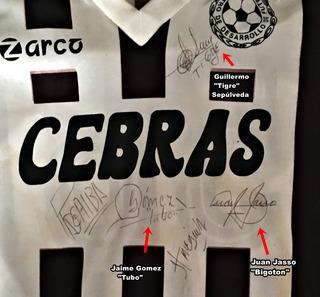Jersey Autografiado Por El Campeonisimo Chivas Campeonisimas