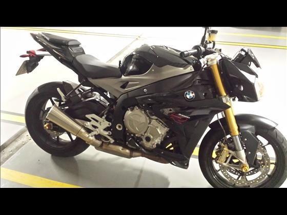 Vendo Moto Bmw S1000r. Perfeito Estado. Pneus Zerados.