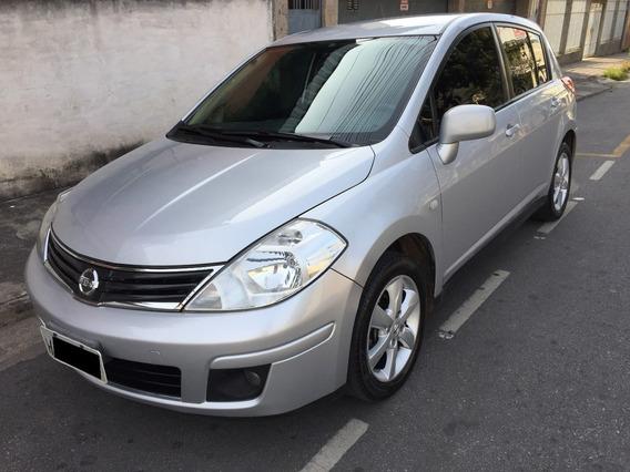 Nissan Tiida 1.8 S 2012