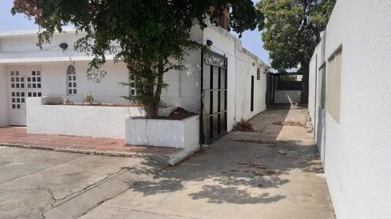 En Alquiler Amplia Casa Comercial Tierra Negra Maracaibo