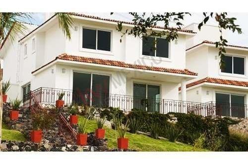 Vendo Casa En Corregidora, Querétaro En Privada Con Alberca En $2,942,264