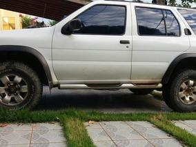 Nissan Pathfinder Se 3.3 V6