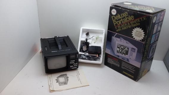 Tv Portátil Precision Deluxe 5 Pol. P&b C/ Rádio Am/fm