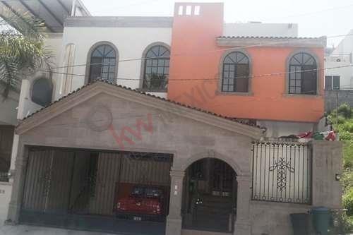 Residencia En Venta Colonia Prados De San Jerónimo En Monterrey, N.l.