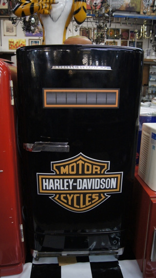 Antiga Geladeira General Electric Envelopada Harley Davidson