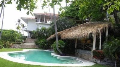 Residencia En Desniveles Fracc. Marina Brisas Acapulco