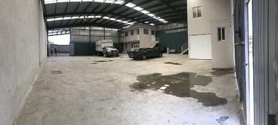 Renta De Bodega, En La Crucita, Salida Chichimequillas, Oficina, Departamento..