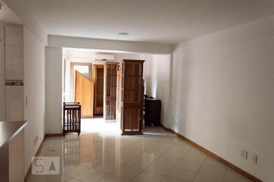 Apartamento No 2º Andar Mobiliado Com 2 Dormitórios E 1 Garagem - Id: 892909549 - 209549