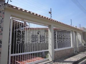 Casa En Venta Ciudad Alianza Guacara Carabobo 20-10376 Rahv
